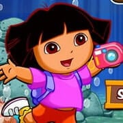Dora Take Photos Underwater